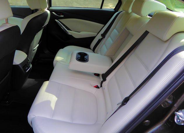 2015 Mazda6i rear seat