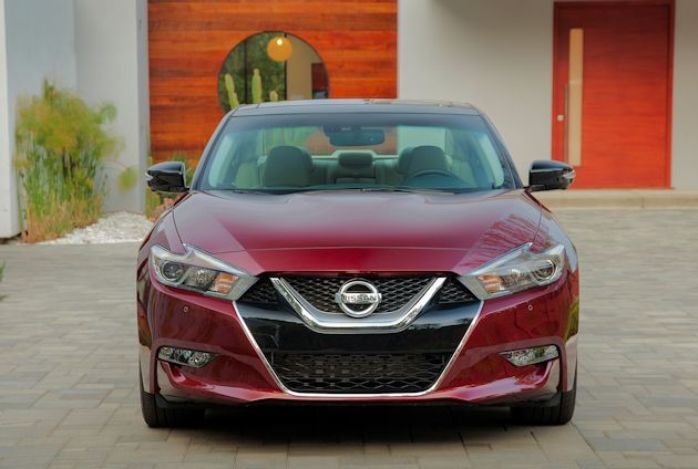 2016 Nissan Maxima front 2