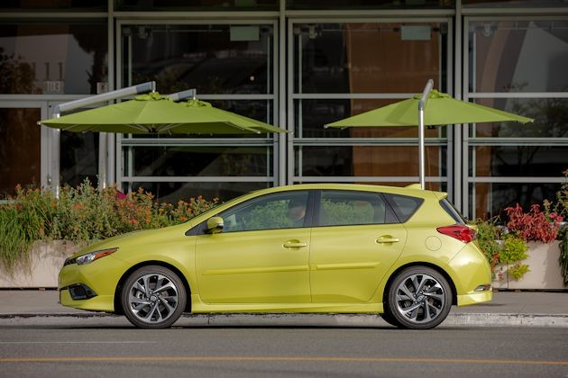 2016 Scion iM side