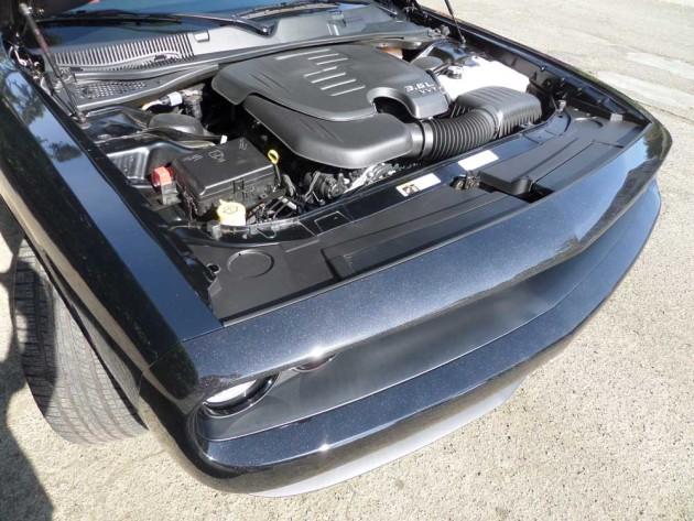 Dodge-Challenger-SXT-Plus-Eng