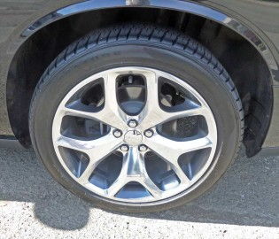 Dodge-Challenger-SXT-Plus-Whl