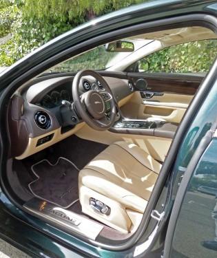 Jaguar-XJL-Int