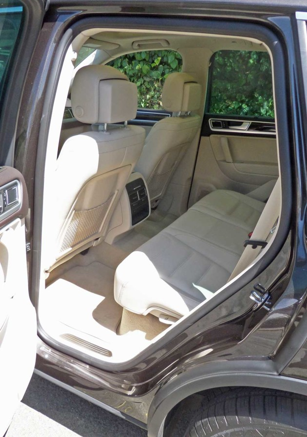VW-Touareg-RInt
