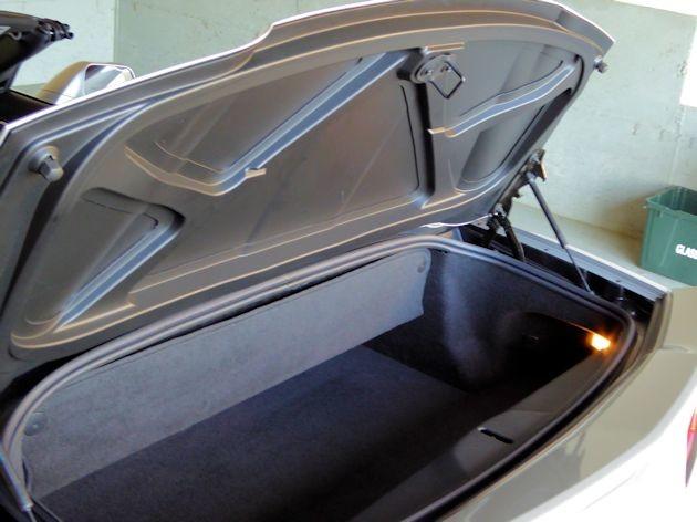 2015 Chevrolet Corvette cargo