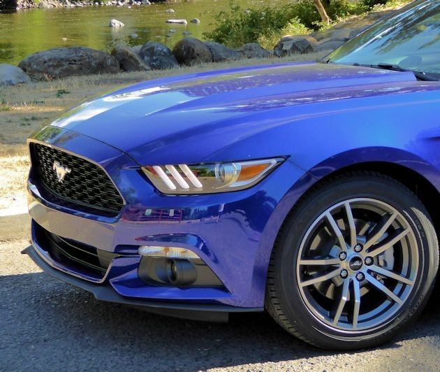 2015 Ford Mustang front end