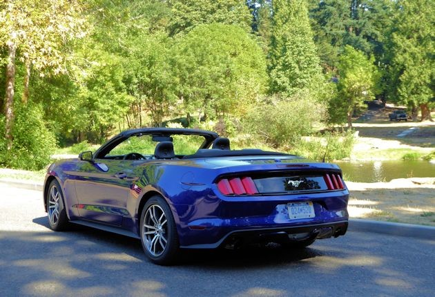 2015 Ford Mustang rear q