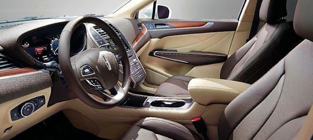 2015 Lincoln MKC interior 2