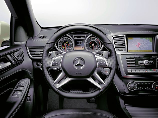 2015 Mercedes-Benz ML dash