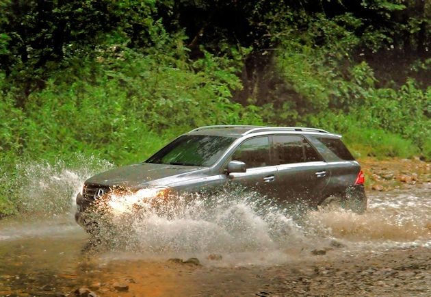 2015 Mercedes-Benz ML in water