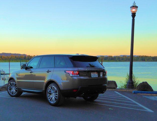 2015  Range Rover Sport rear q