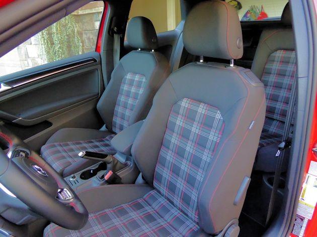 2015 Volkswagen GTI seats