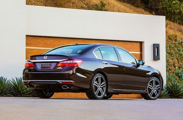 2015b Honda Accord rear