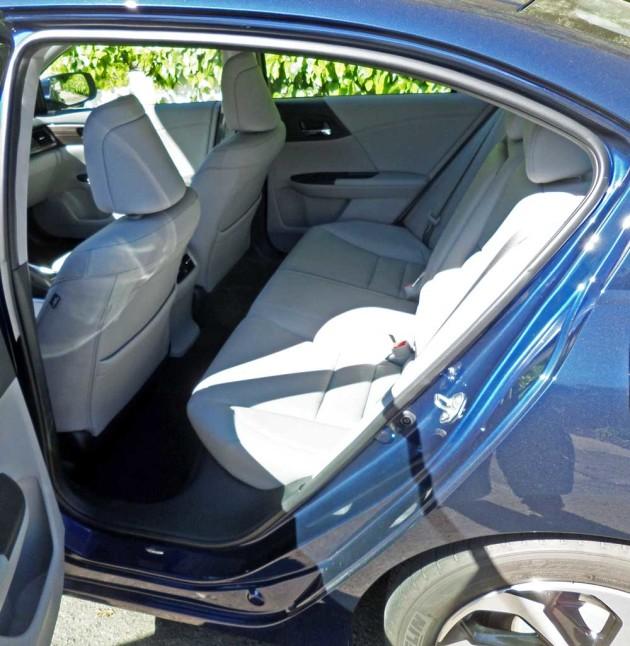 Honda-Accord-EX-L-RInt