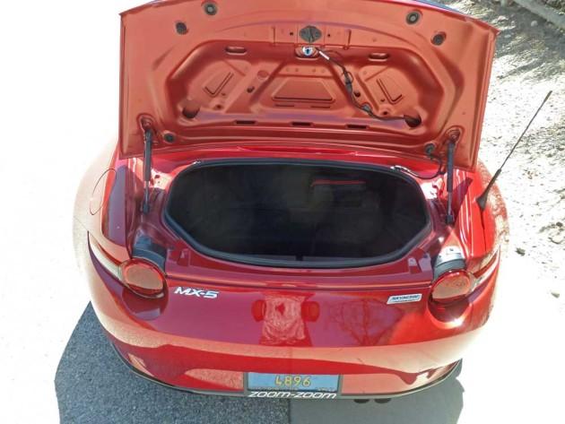 Mazda-MX-5-Miata-Trnk