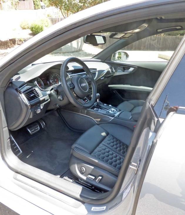 Audi-RS-7-Int