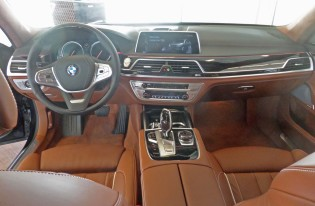 BMW 750i xDrive Dsh