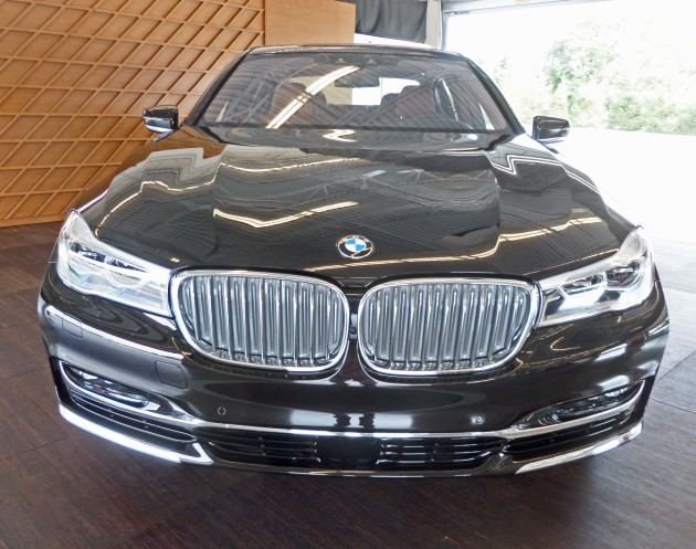 BMW 750i xDrive Nose