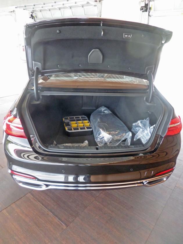 BMW 750i xDrive Trnk