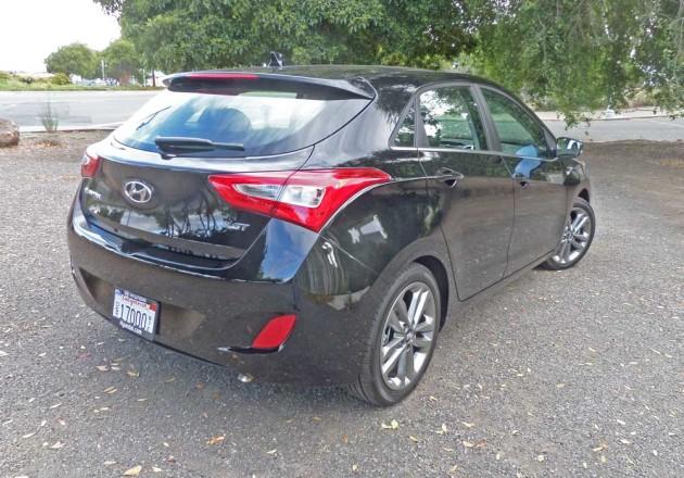 Hyundai-Elantra-GT-RSR