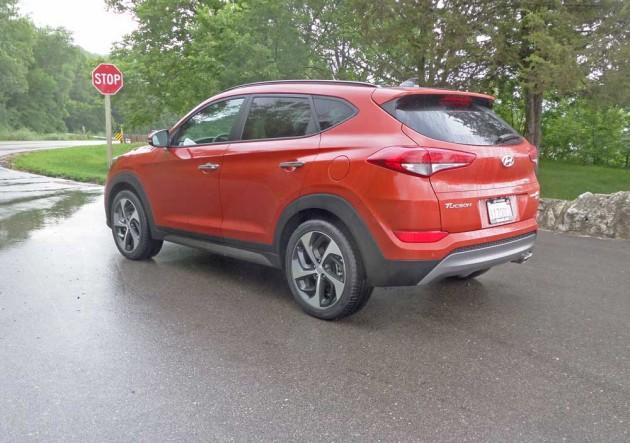 Hyundai-Tucson-LSR1