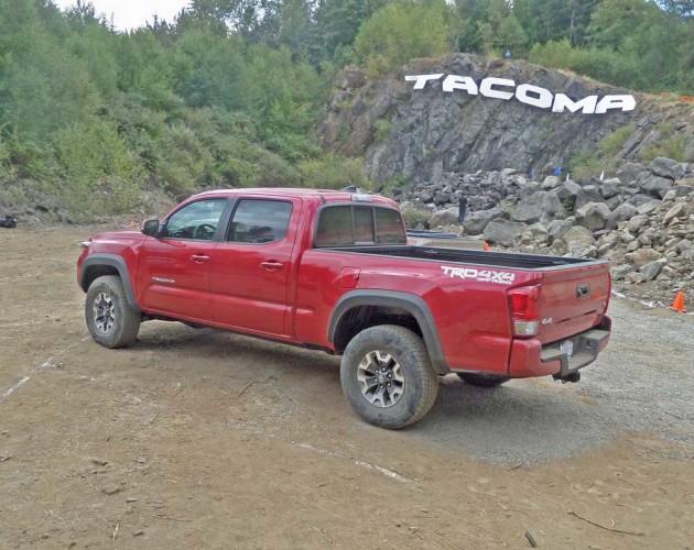 Toyota-Tacoma-LSR