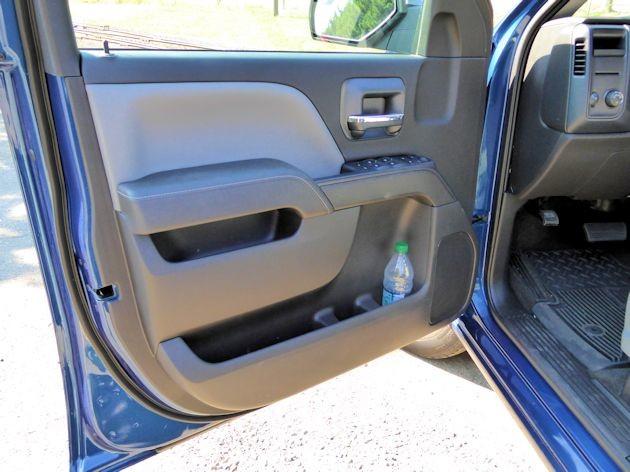 2015 Chevrolet Silverado door