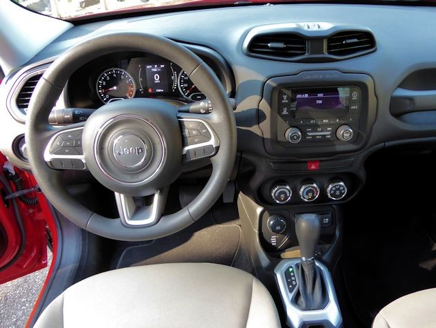 2015 Jeep Renegade dash