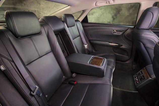2015 Toyota Avalon rear seat