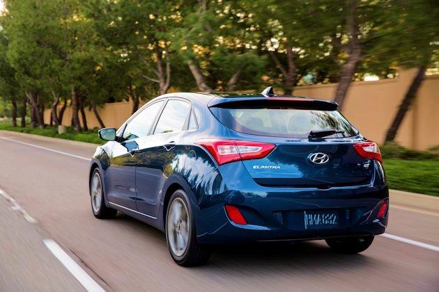 2016 Hyundai Elantra GT rear