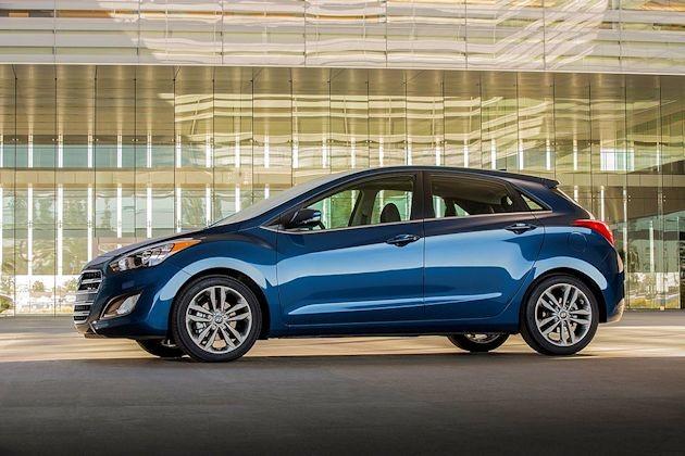2016 Hyundai Elantra GT side