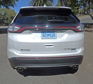 Ford-Edge-Titanium-Tail