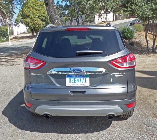 Ford-Escape-Titanium-Tail