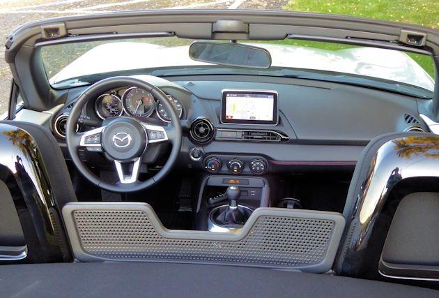 2016 Mazda MX-5 dash 2