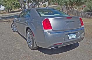 Chrysler-300C-LSR