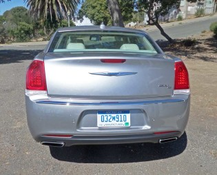 Chrysler-300C-Tail