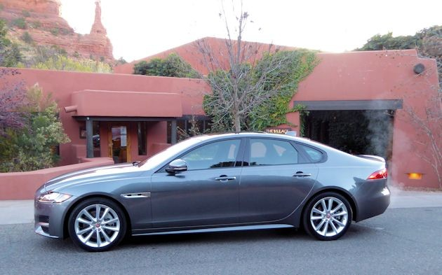 2015 Jaguar XF side