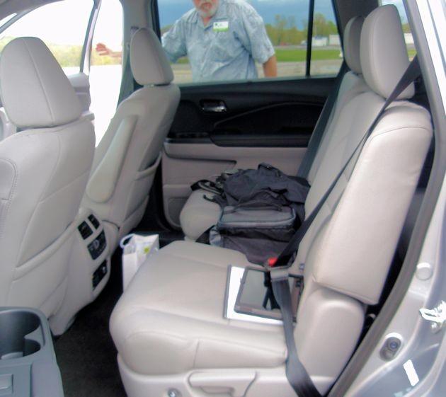 2016 Honda Pilot rear seat