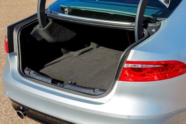 2016 Jaguar XF trunk