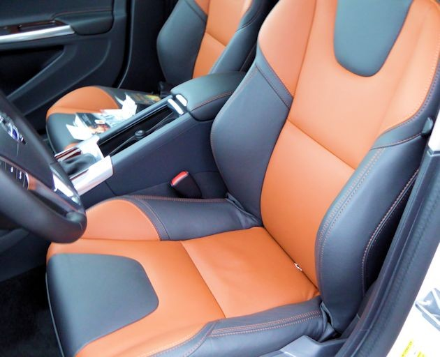 2016 Volvo Cross Country seats