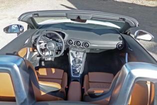 Audi-TT-Rdstr-Dsh