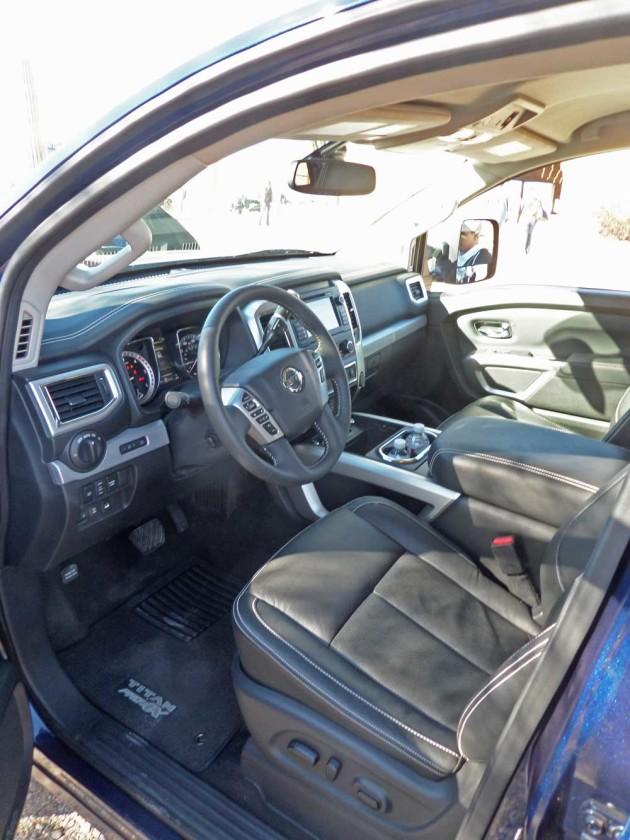 Nissan-Titan-XD-Int