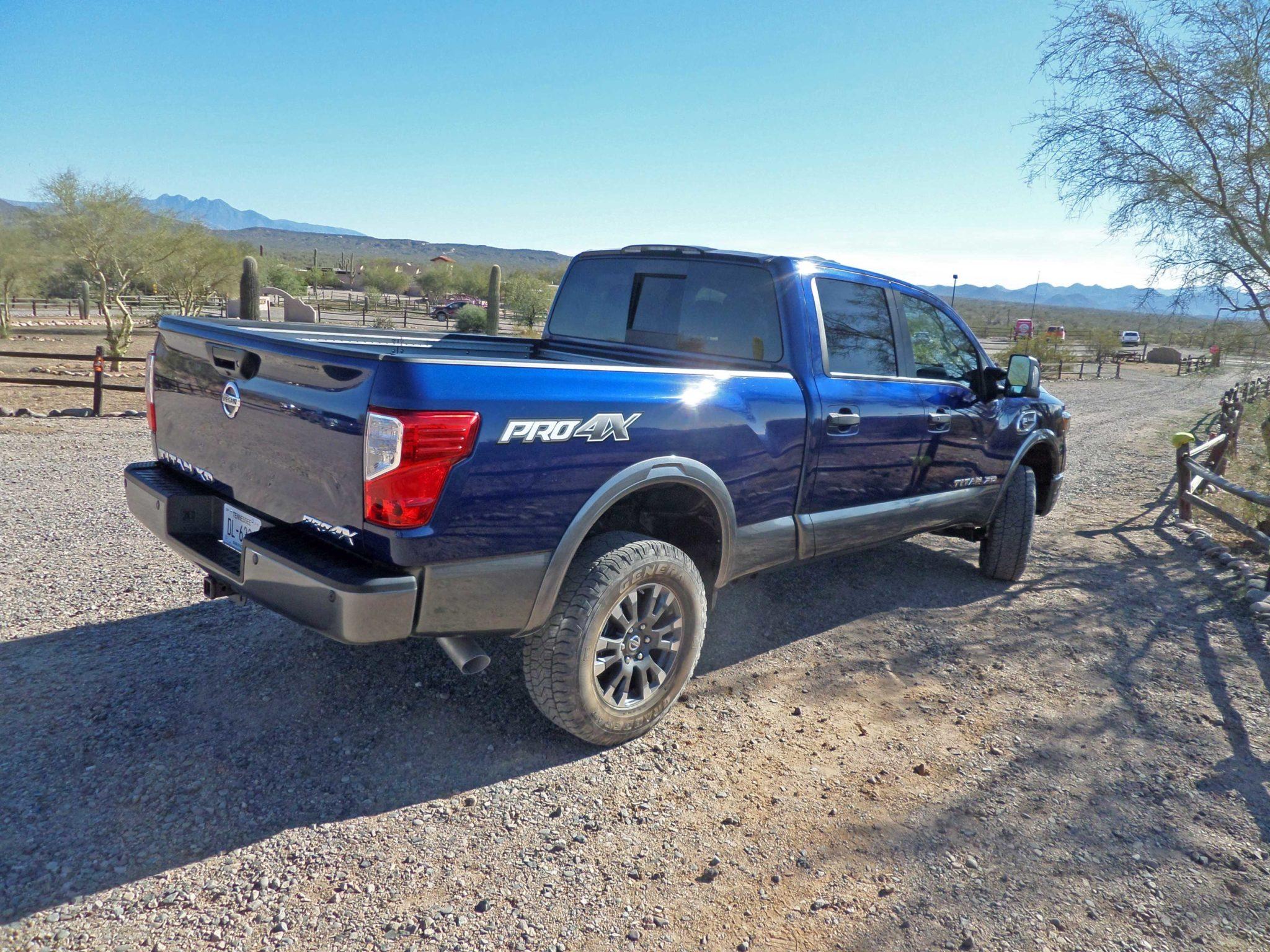 2016 nissan titan xd diesel pickup test drive our auto expert. Black Bedroom Furniture Sets. Home Design Ideas