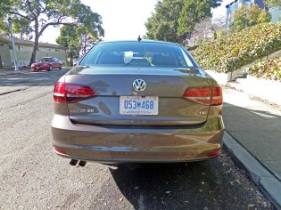 VW-Jetta-SE-Tail