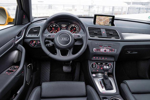 2016 Audi Q3 dash