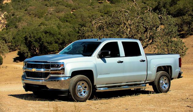 2016 Chevrolet Silverado side