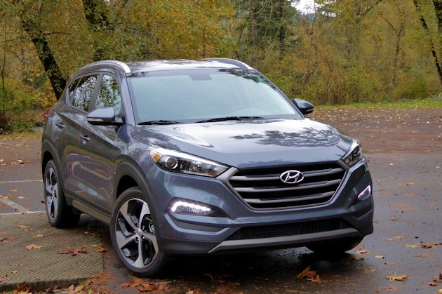 2016 Hyundai Tucson Sport front