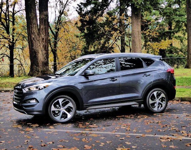 2016 Hyundai Tucson Sport front q