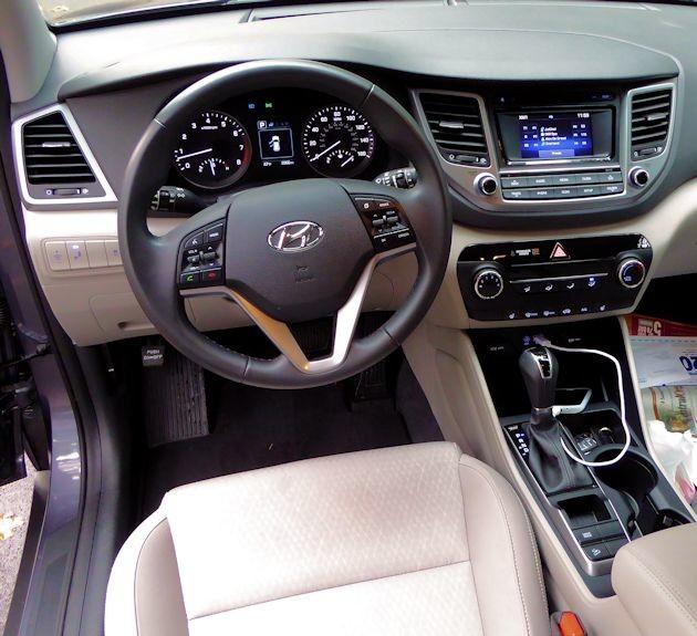 2016 Hyundai Tucson Sport interior