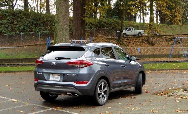 2016 Hyundai Tucson Sport rear 2