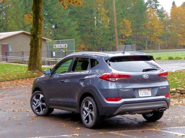 2016 Hyundai Tucson Sport rear